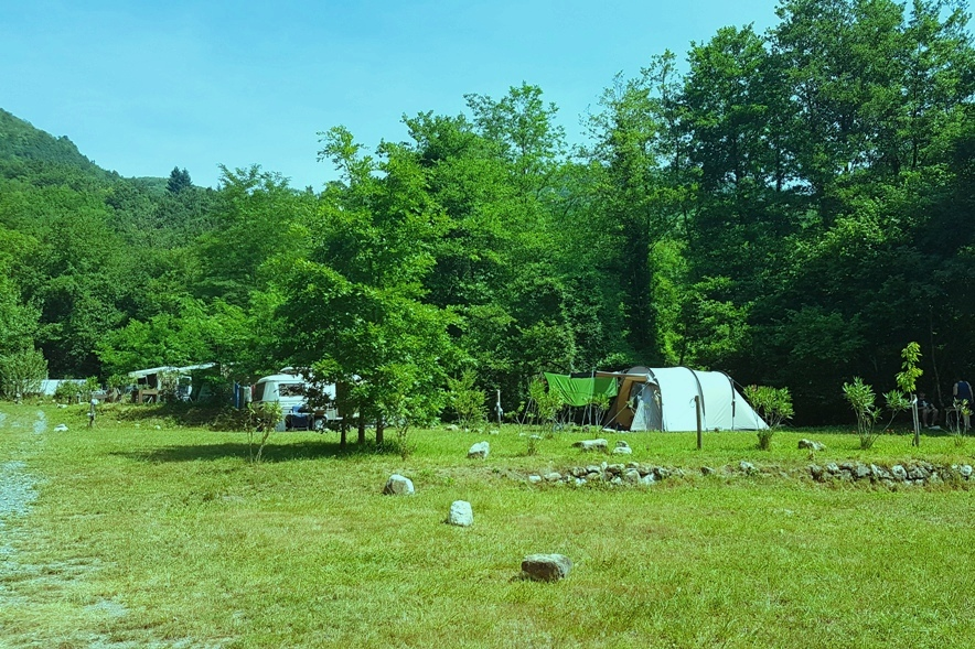 Camping Rio Requesa