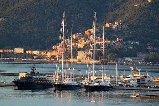 La Spezia haven