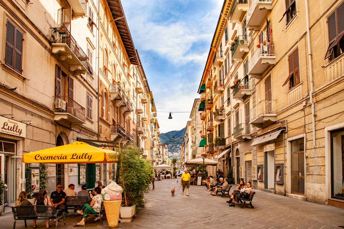 winkelstraat :la Spezia